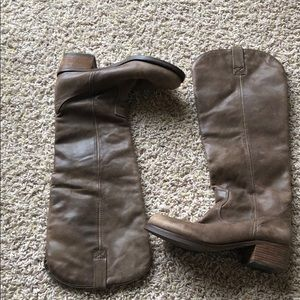 Brown Lucky Brand riding boots sz7❤️